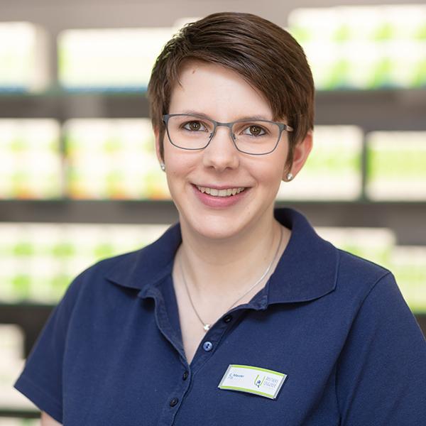 Pharmazeutisch-technische Assistentin Corinna Maurer